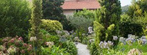 hotel con encanto en cantabria jardin