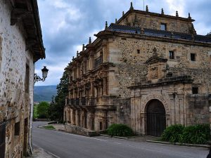 rutas pueblos con encanto villas pasiegas valles pasiegos palacio sonanes